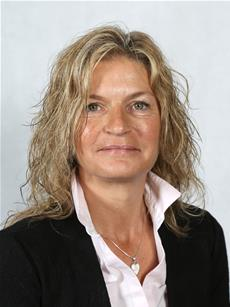 Photograph of Councillor Diana Lewins