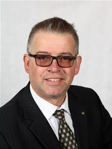 Photograph of Councillor Martin Cox