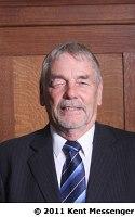 Mr Bob Hinder